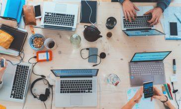 Laptopy i praca